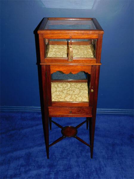 Edwardian Mahogany Bijouterie Display Cabinet